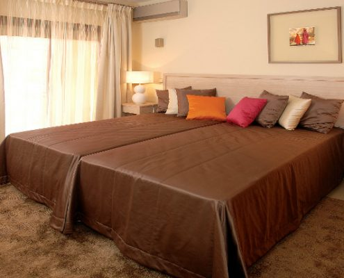 Amendoeira 2 bedroom apartment Portugal golf break